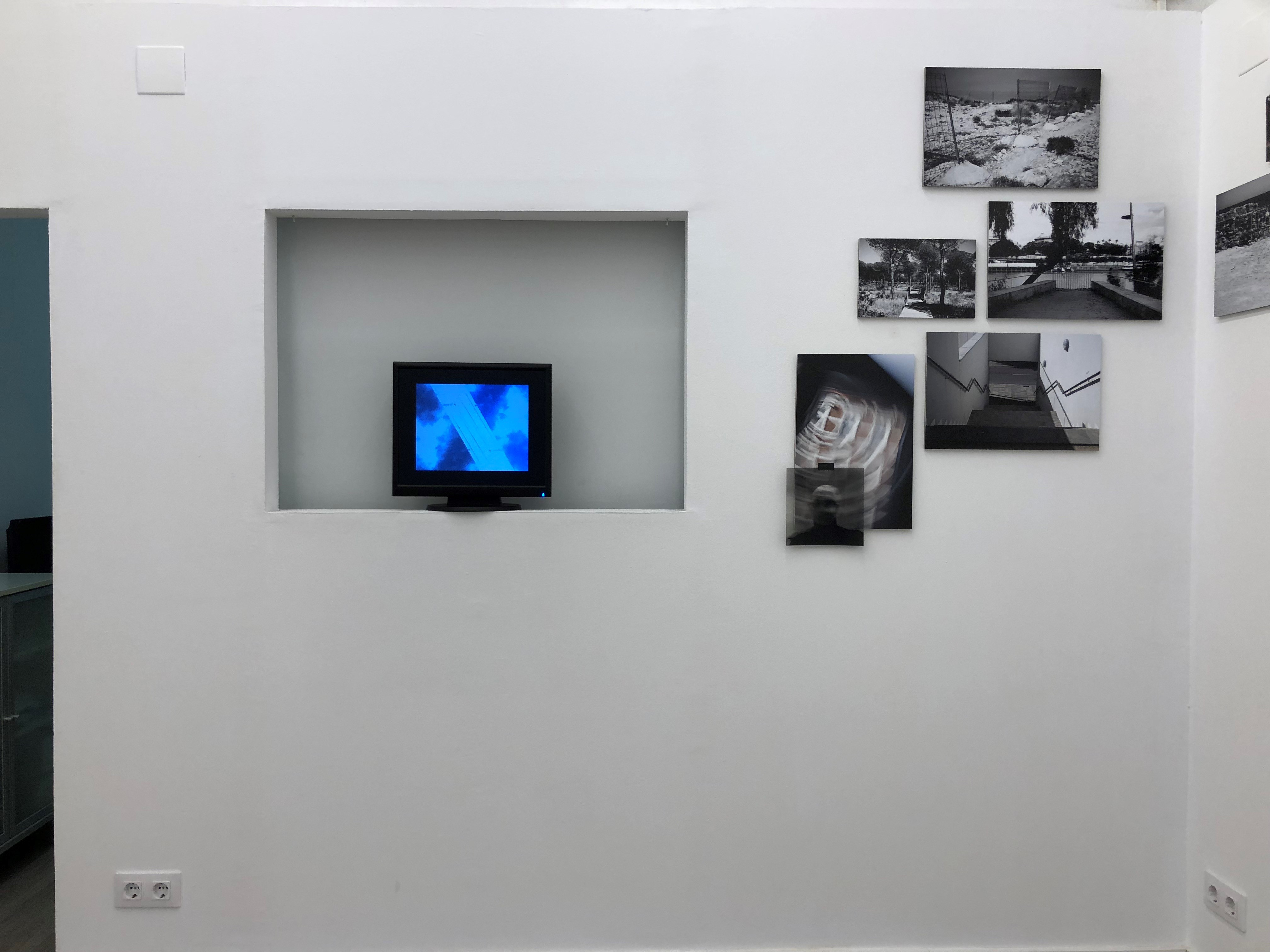 Projekteria_Self_identity_Daffke_Hollstein_Install_with_video