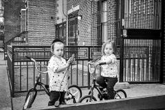 Hasidic_children_in_Brooklyn_AlvaroGarcía_TSON_MG_8822_low